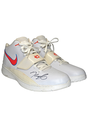 2010-11 Kevin Durant Oklahoma City Thunder Game-Used & Autographed Sneakers (JSA • NBA Scoring Champion • Ball Boy LOA)