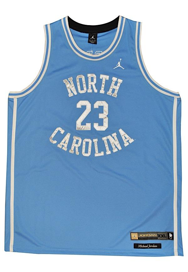 d40733ca0e6 Lot Detail - Michael Jordan North Carolina Tar Heels Autographed ...