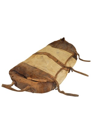 1930s Chicago Cubs Team-Issued Travel Bag