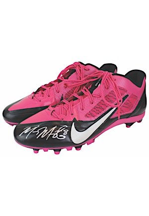 "2013 Marcus Mariota Oregon Ducks Game-Used & Autographed ""Breast Cancer Awareness"" Cleats (JSA • Mariota Hologram)"